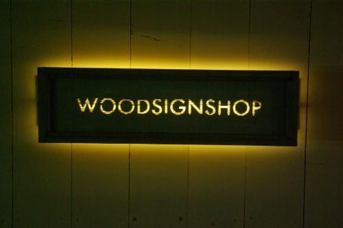 LED付き木製看板